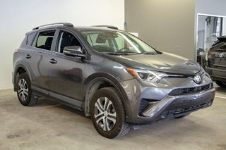 Toyota RAV4 LE / Bluetooth/Caméra/Banc chauffants/A/c et plus 2017 à Verdun, Québec - 5 - w320h240px