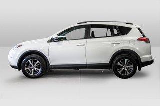 2018 Toyota RAV4 AWD / Caméra Recul / Mags / Bluetooth in Verdun, Quebec - 4 - w320h240px