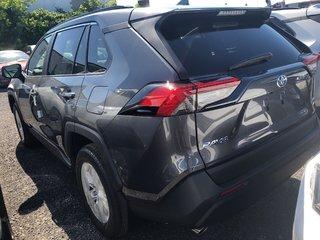 Toyota RAV4 XLE 2019 à Verdun, Québec - 5 - w320h240px