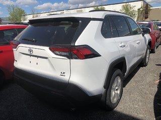 Toyota RAV4 LE 2019 à Verdun, Québec - 4 - w320h240px
