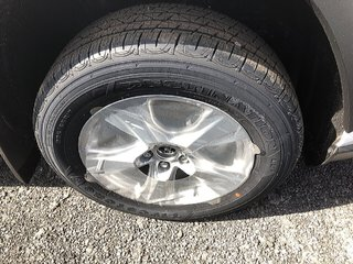 Toyota RAV4 LE 2019 à Verdun, Québec - 3 - w320h240px