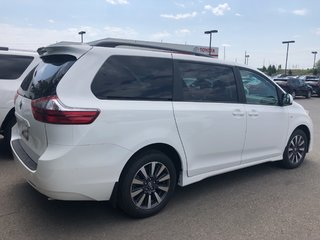2020 Toyota Sienna LE in Bolton, Ontario - 4 - w320h240px