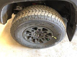 Toyota Tacoma TRD OFF-ROAD 2019 à Verdun, Québec - 4 - w320h240px