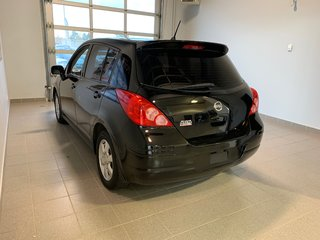 Nissan Versa 1,8 SL 2012