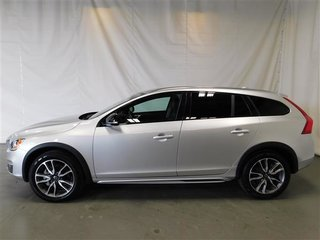 2017 Volvo V60 CROSS COUNTRY PREMIER 4RM