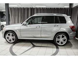 https://img.sm360.ca/ir/w320h240/images/inventory/groupe-duval/mercedes-benz/glk-class/2011/5635884/5635884_09885_TR_9ab51d9b-2122-4ea7-a056-bfbd90c8adc8.jpg