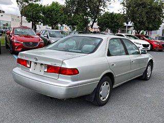 2000 Toyota Camry CE + CLIMATISATION  ***VÉHICULE VENDU TEL QUEL***