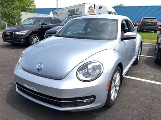 Volkswagen Beetle HIGHLINE 2012