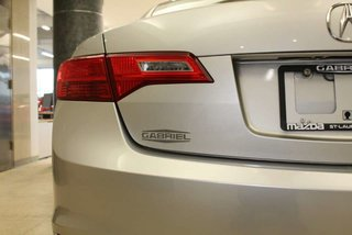 2013 Acura ILX CUIR + TOIT  + JANTES + BLUETOOTH + TOIT + CARPROOF +