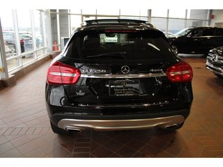 2016 Mercedes-Benz GLA-Class GLA250 4MATIC, toit pano, navi, caméra, Xénon