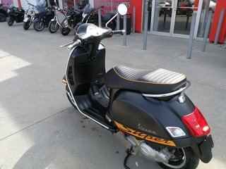 Vespa GTS 300 Super  2014