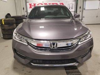 Honda Accord Sedan Sport full toit mags comme neuf 2017
