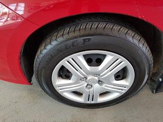 Honda Fit LX manuelle bas millage certifié 2014
