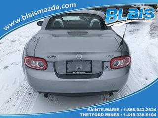 Mazda MX-5 Touring 2011