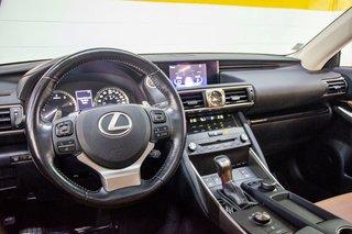 Lexus IS 300 AWD Premium 2017