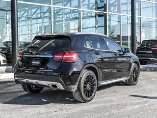 2018 Mercedes-Benz GLA250 Sport pkg, Panoramic sunroof, Apple carplay