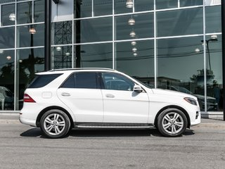 2015 Mercedes-Benz ML350 4Matic, Navi, Pano, 360 Camera, Parktronic, Star Certified