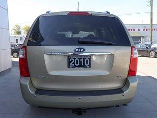 2010 Kia Sedona EX at