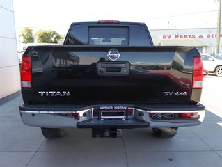 2014 Nissan Titan Crew Cab SV 4X4 SWB