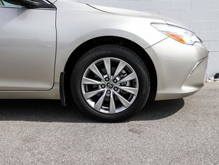 2015 Toyota Camry 4-Door Sedan XLE 6A