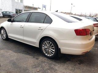 2012 Volkswagen Jetta 2.0 TDI Highline (M6)**DIESEL**STICK