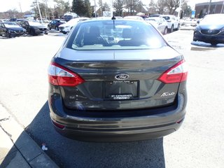 2016 Ford Fiesta SE,WINTER TIRES,ONE OWNER,