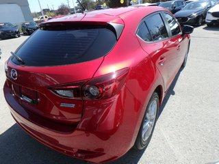 2018 Mazda Mazda3 Sport GS(Sunroof, Heated Seats, Alloy Wheels)