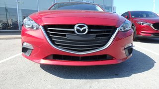 2015  Mazda3 GS ( Heated Seats, JUST ARRIVED)