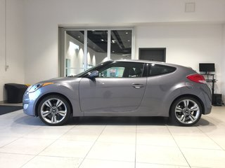 2013 Hyundai Veloster VELOSTER TECH - PANORAMIC MOONROOF! BLUETOOTH!