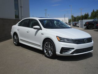 2018 Volkswagen Passat Highline 2.0T 6sp at w/Tip