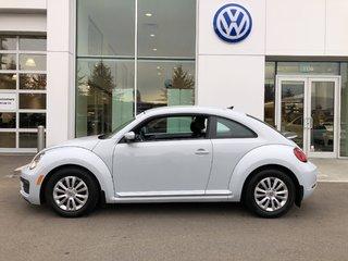 2017 Volkswagen Beetle Certified pre-owned, low kms,
