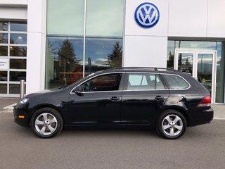 2014 Volkswagen Golf wagon Wolfsburg TDI