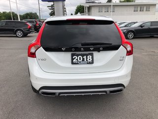 2018 Volvo V60 Cross Country T5 AWD PREMIER