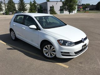 2015 Volkswagen Golf 5-Dr 1.8T Comfortline at Tip
