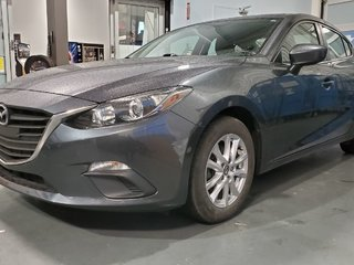 2015 Mazda Mazda3 GS, SIEGES CHAUFFANTS, BLUETOOTH, CAMERA, MAGS,A/C