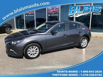 Mazda 3 Hayon 4 portes Sport, boîte manuelle, GS 2015