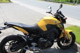 Yamaha FZ-09 JAUNE 2015