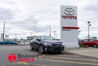 2016 Toyota Camry Hybrid * XLE *