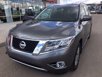 2016 Nissan Pathfinder SV