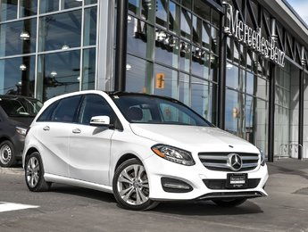 2015 Mercedes-Benz B250 Panoramic sunroof, leather seats, rear view camera
