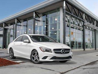 2014 Mercedes-Benz CLA250 Premium package, Bi-Xenon headlamps, heated seats, rear view camera