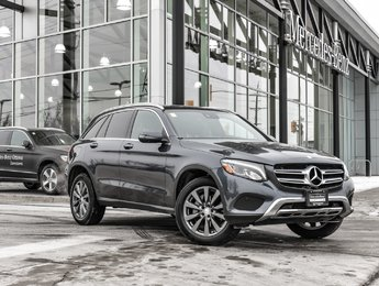 2016 Mercedes-Benz GLC300 Premium package, Sunroof, Heated steering