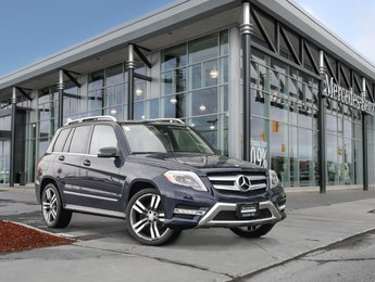 2015 Mercedes-Benz GLK250 Navigation, panoramic sunroof, rear view camera