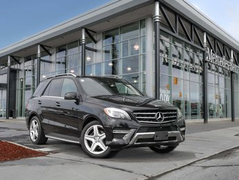 2015 Mercedes-Benz ML350 Panoramic sunroof, all around heated seats, Trailor hitch