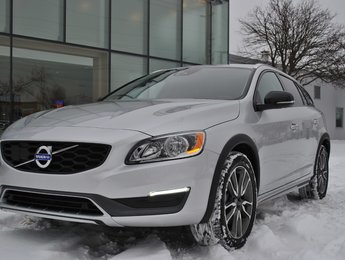 2016 Volvo V60 Cross Country T5 Premier CLIMATE,TECH PKG