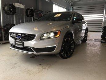 2018 Volvo V60 Cross Country Premier