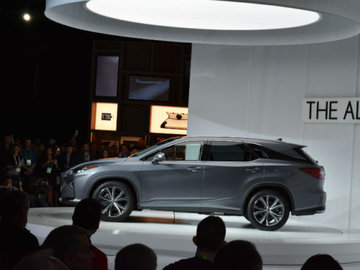 Brand new Lexus RX-L unveiled at the Los Angeles Auto Show