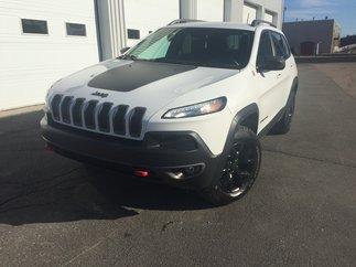 Jeep Cherokee TRAILHAWK AWD 5000 LBS DE REMORQUAGE 2016