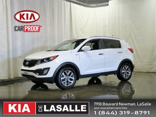 2014 Kia Sportage EX // AC // Camera // Bluetooth // Mags //