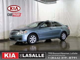 Toyota Camry LE // Cuir // Toit ouvrant // AC // Mags ... 2010